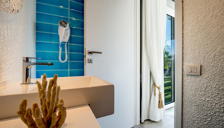 Boutique Hotel Capo Blu camera deluxe bagno
