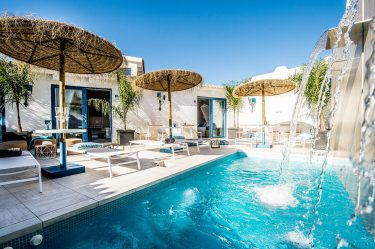 Boutique Hotel Capo Blu pool lounge bar fontana