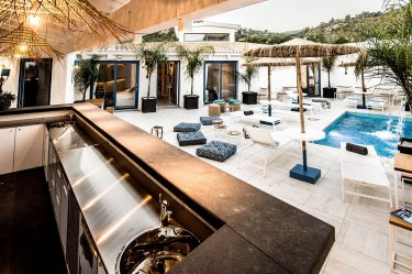 Boutique Hotel Capo Blu lounge bar piscina