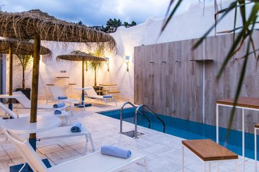 Boutique Hotel Capo Blu lounge pool